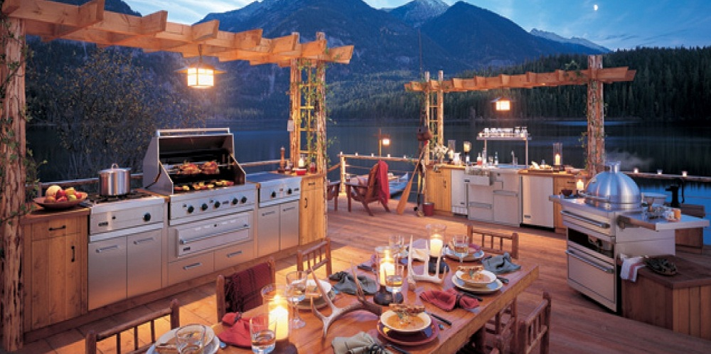 5 Reasons You Need an Outdoor Kitchen