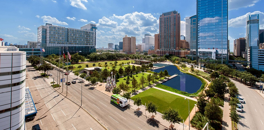 Discovery Green to take pictures in Houston