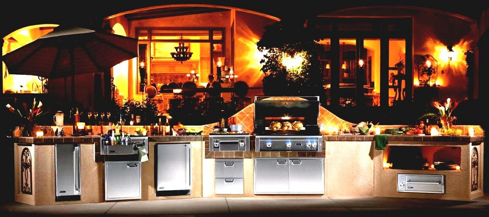 Outdoor Kitchens Are Perfect for Entertaining