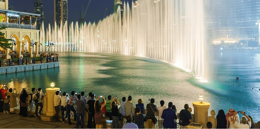 What to Do and See in Dubai Fountains at Night