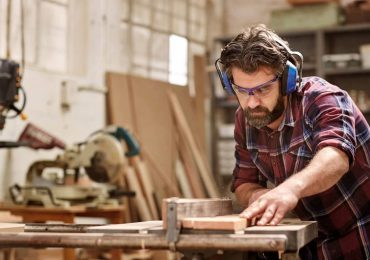 11 Essential Woodworking Tools for Beginners