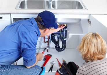 5 Questions to Ask Before Hiring a Plumber for Drain Blockage