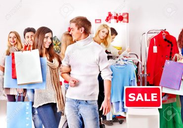 5 Best Times to Shop for Clothes in USA