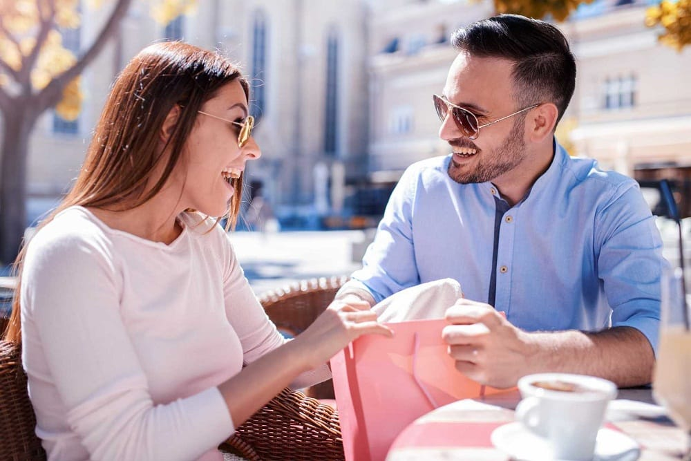 Signs she is after your money | Trends Buzzer