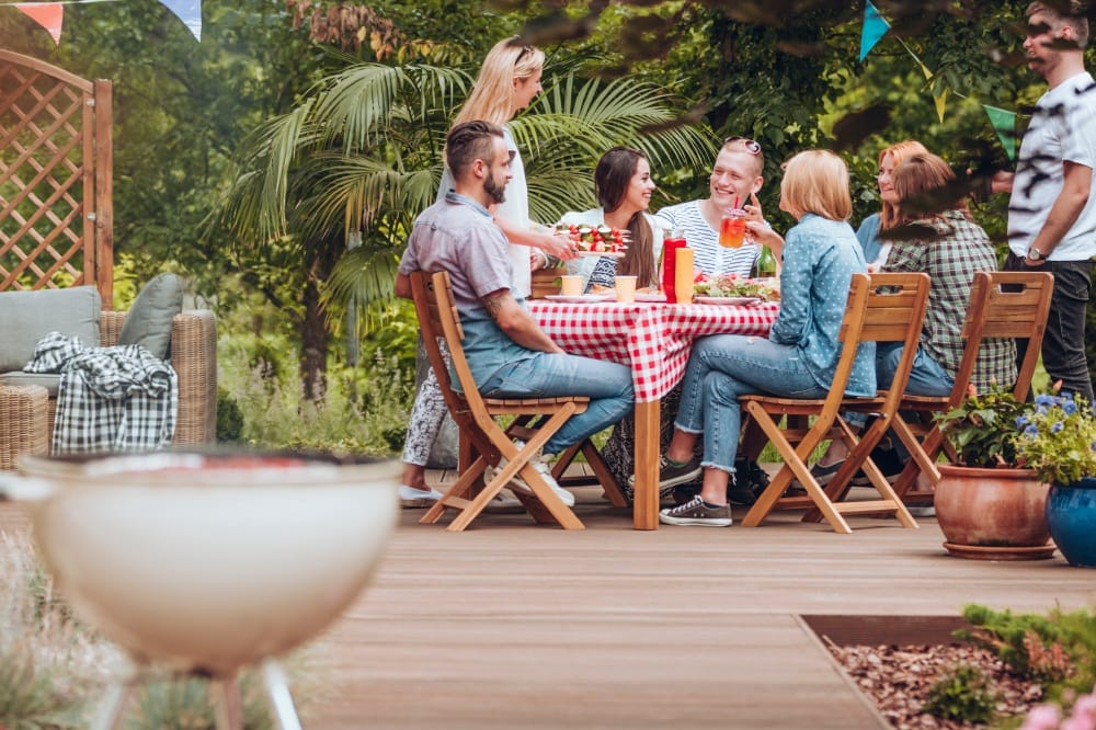 How to improve your backyard, Bbackyard ideas DIY, Backyard ideas on a budget, Simple backyard ideas, Cheap backyard makeover ideas, Backyard improvements ideas