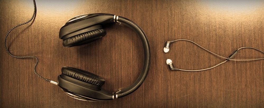 In-Ear or On-Ear Headphones