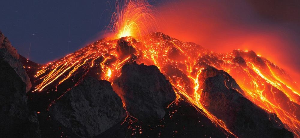 volcanoes at yellowstone national park