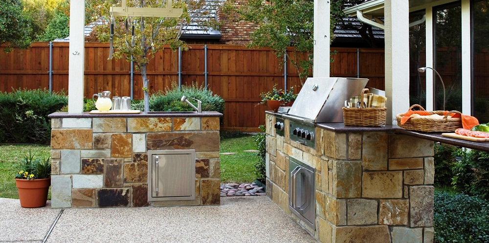 Outdoor Kitchens Encourage an Outdoor Lifestyle