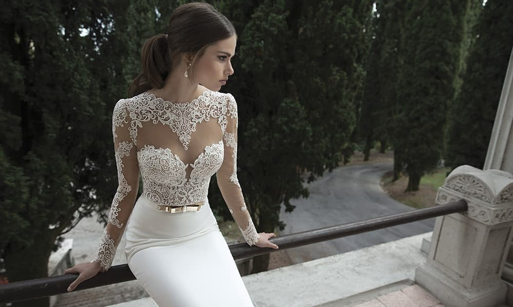 Best prom dresses for hourglass figures