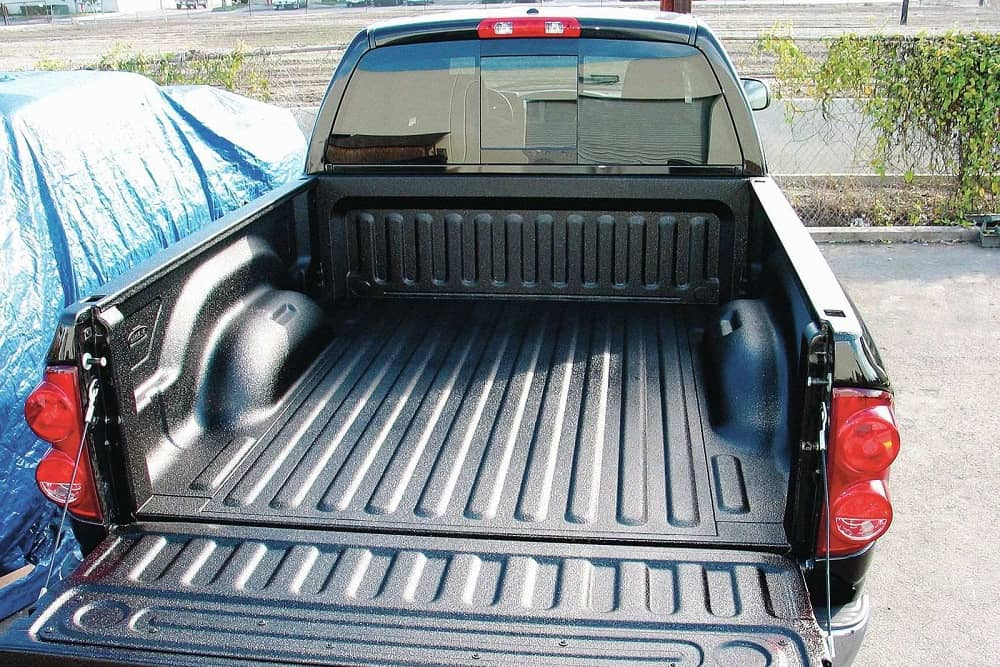 Drop-In vs. Spray-In Bedliner – Differences, Pros & Cons