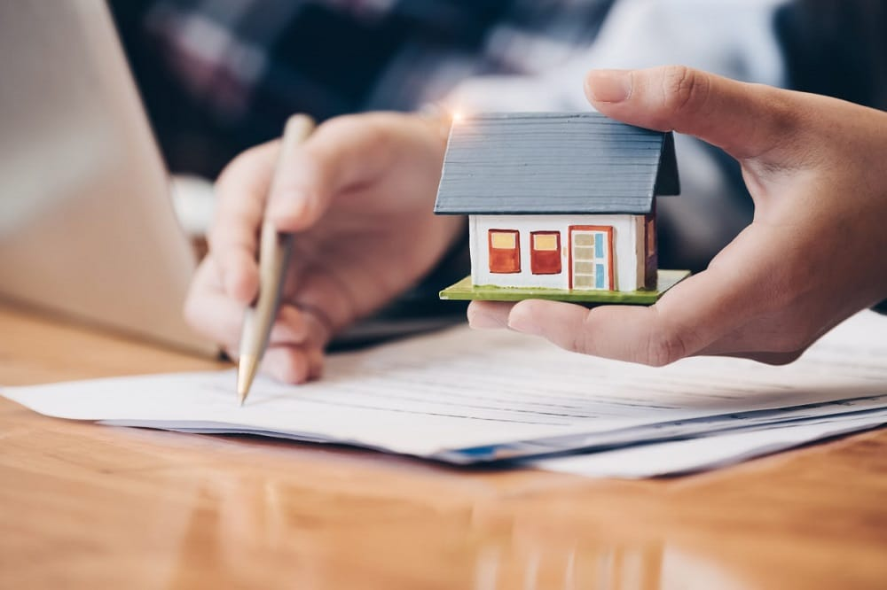 Do You Need a Lawyer before Signing a Contract on a House