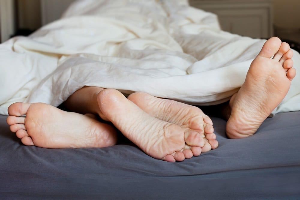 17 Effective Ways to Last Longer in Bed
